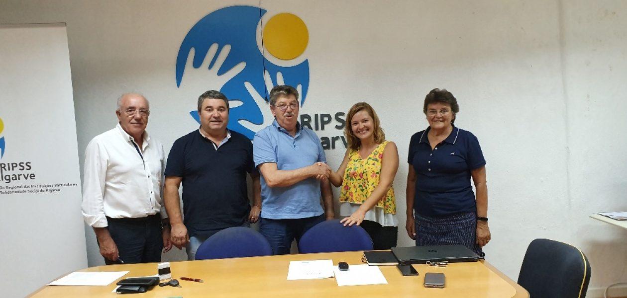 Assinatura parceria entre a URIPSS Algarve e a Nutricionista Adriana Sales